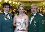 Gisela Sonnabend, Anika Wilmsen und Karlheinz Kamps freuen sich über rund 970 Spenden-Euro in nur etwa einer Stunde.